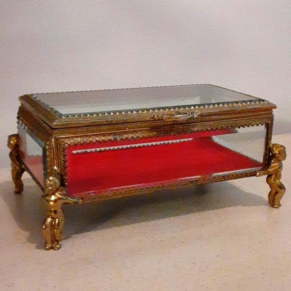 Vintage Hollywood Regency jewelry box